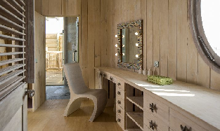 1_Bedroom_Overwater_Villa - Dressing_Room